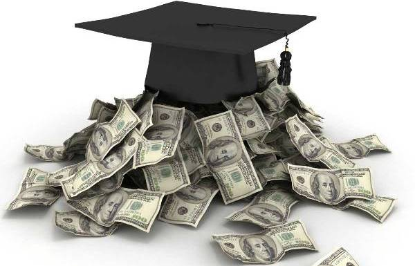 Low Credit Scores Taking Out Student Loans for Money