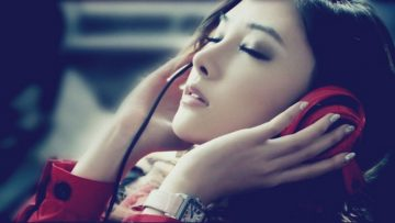 asian-girl-music-red-headphones