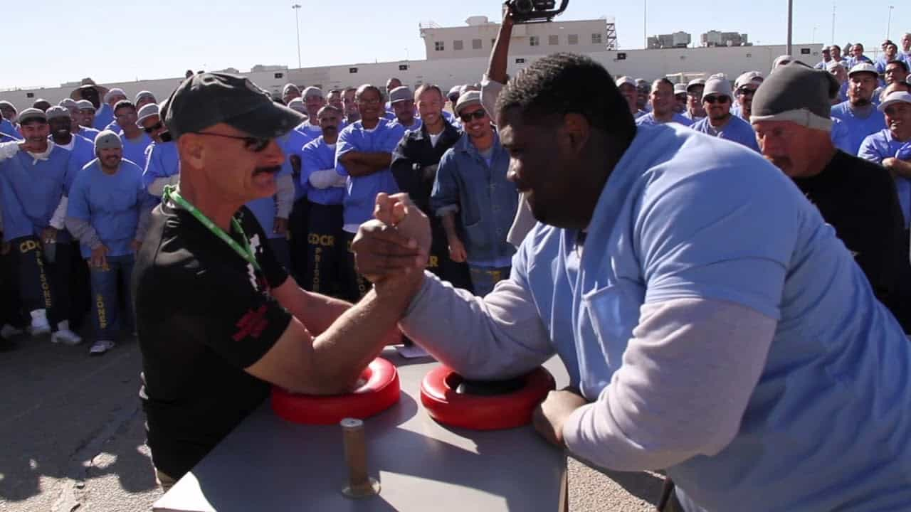 World Champion Arm Wrestler Gets Beaten By Prison Inmate