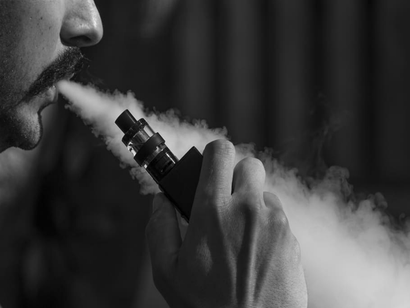 YOUR GUIDE ON HOW TO CHOOSE A RIGHT VAPING DEVICE FOR YOU 1